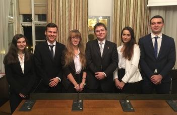 Ismét az oxfordi döntőbe jutott az ELTE ÁJK csapata a médiajogi perbeszédversenyen