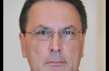 Elhunyt Nánási László