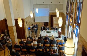 Megemlékezés az újraalapítás 15. évfordulóján a Győri Ítélőtáblán